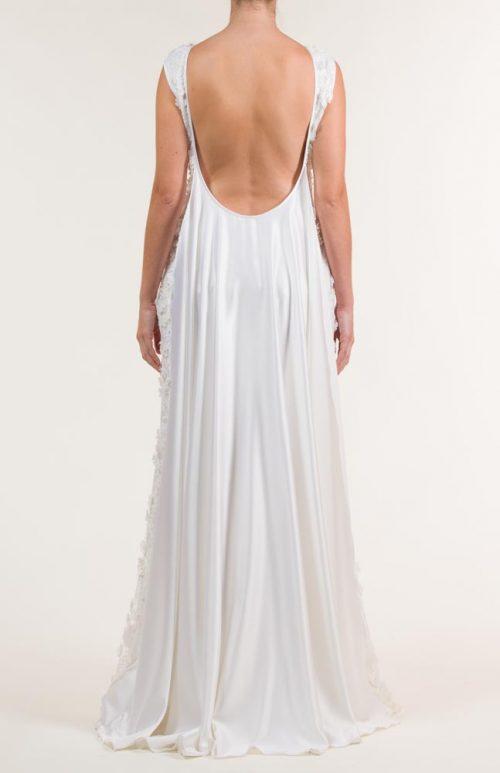 Vestido de novia largo bordado en blanco con transparencias