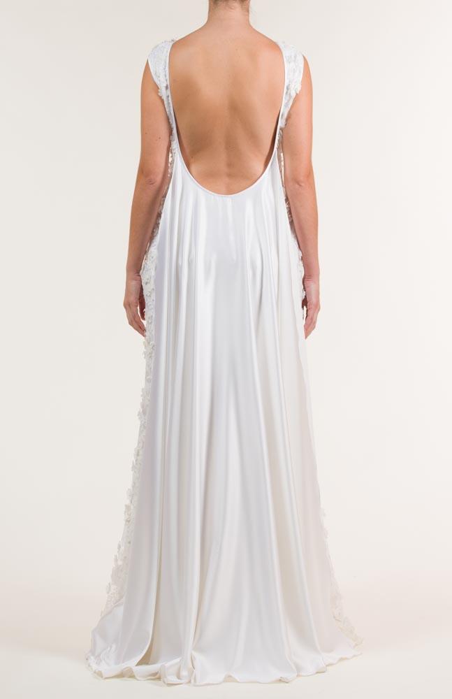 c 18 0345 001488 jb lb 18 2098 - Vestido de novia largo bordado en blanco con transparencias