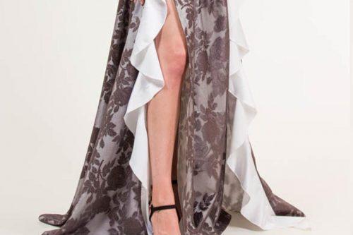 32 500x333 - Vestido largo con encaje de flores gris