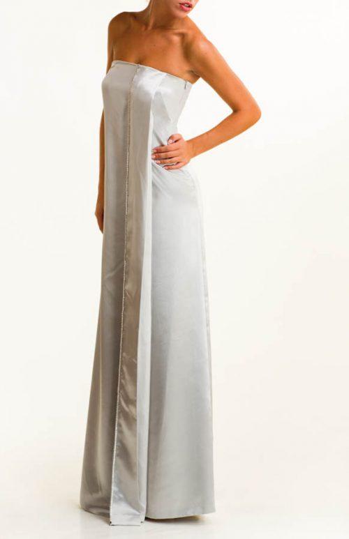 IMG 0670 Editar 500x773 - Vestido largo de satén plata con detalles de swaroski