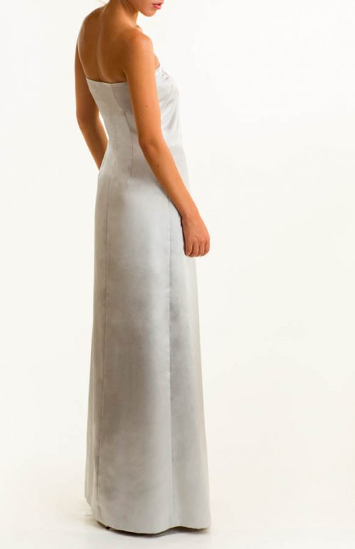 IMG 0684 Editar 500x773 - Vestido largo de satén plata con detalles de swaroski