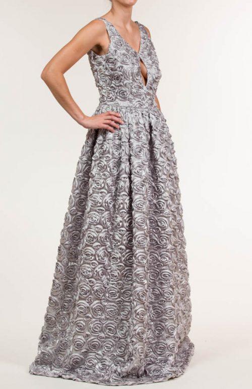 MG 8783 500x773 - Vestido largo con tejido bordado en gris