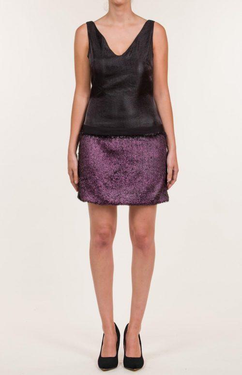Vestido corto negro jaspeado con falda fucsia