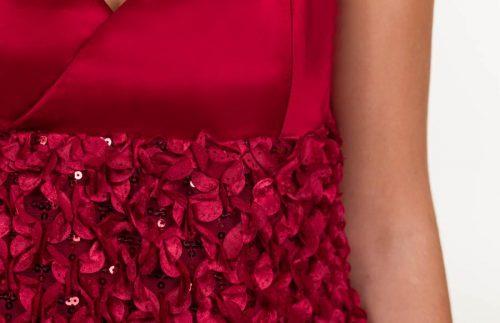c 18 0345 001488 jb lb 18 1147 500x323 - Vestido corto rojo oscuro