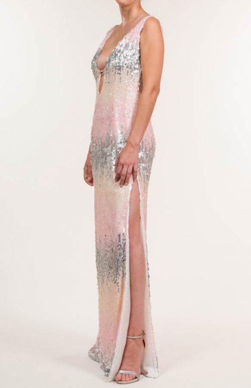 c 18 0345 001488 jb lb 18 176 500x773 - Vestido largo con tejido de lentejuelas multicolor y adorno en escote