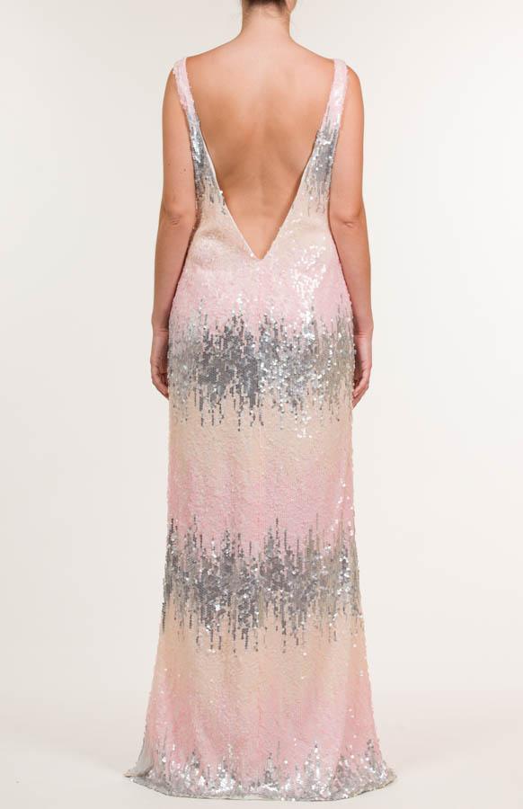 Vestido largo con tejido de lentejuelas multicolor y adorno en escote