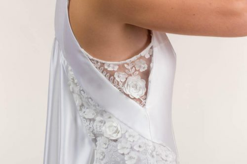 c 18 0345 001488 jb lb 18 2109 500x333 - Vestido de novia largo de satén liso blanco