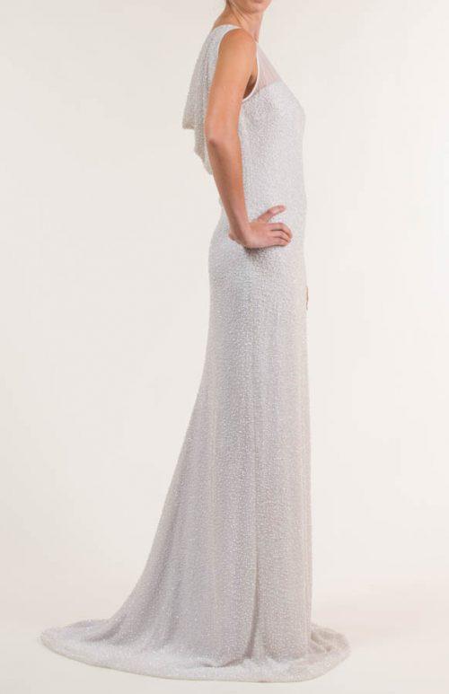 Vestido de novia largo de seda con pedrería blanco