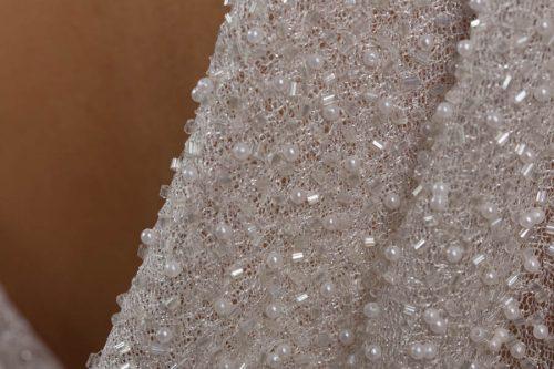 c 18 0345 001488 jb lb 18 2133 500x333 - Vestido de novia largo de seda con pedrería blanco