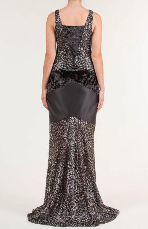 c 18 0345 001488 jb lb 18 2216 500x773 - Vestido largo negro y plata en tejido de lentejuela bordada con transparencia, terciopelo y liso satén