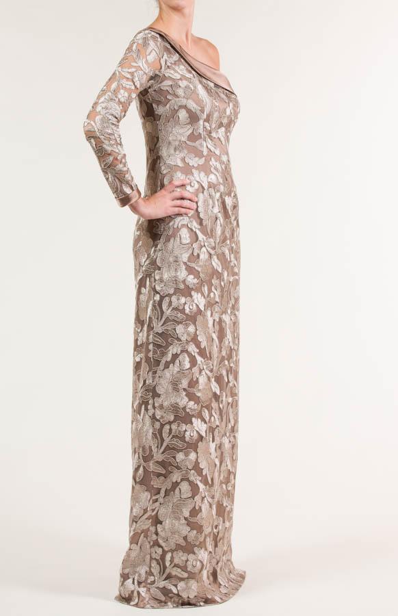 Vestido largo de tul bordado siena claro