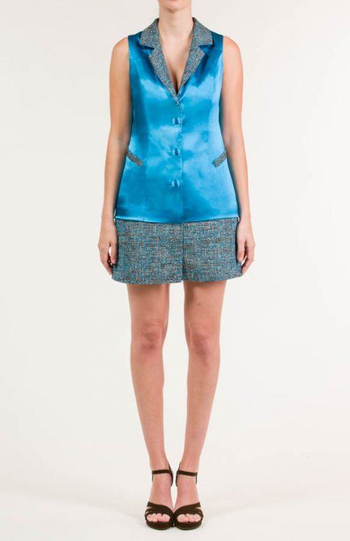 c 18 0345 001488 jb lb 18 2381 2 500x773 - Vestido corto tipo chaqueta satén azul maya