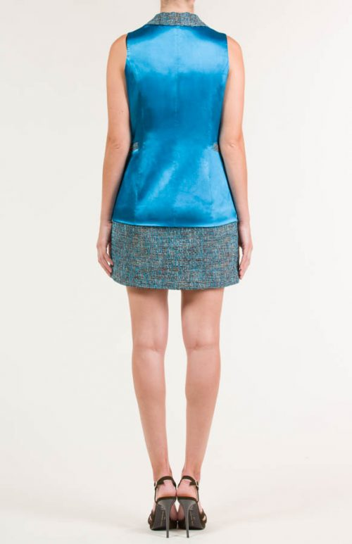 c 18 0345 001488 jb lb 18 2383 2 500x773 - Vestido corto tipo chaqueta satén azul maya