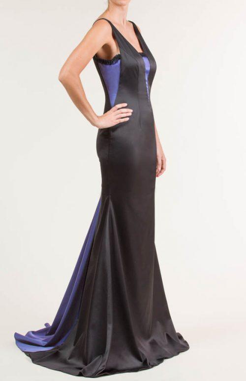 c 18 0345 001488 jb lb 18 2478 2 500x773 - Vestido largo de satén con span negro y azul