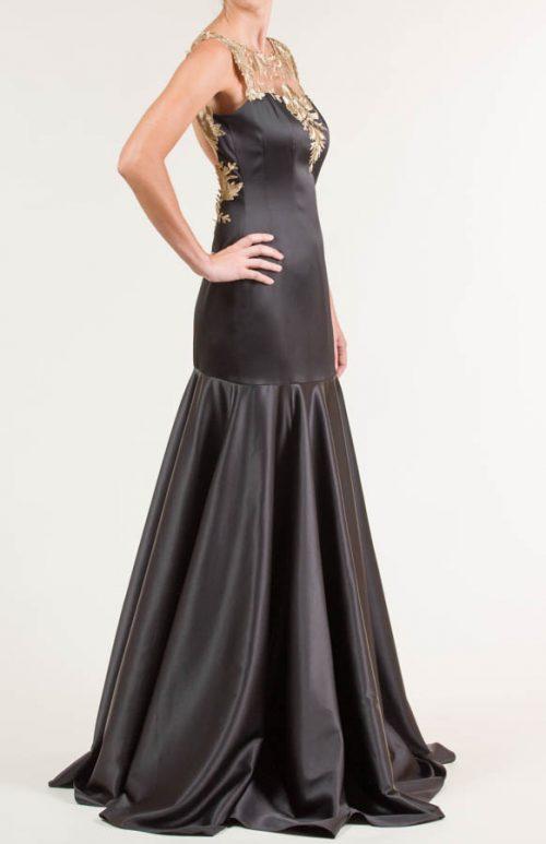 Vestido largo en tejido liso negro con bordado