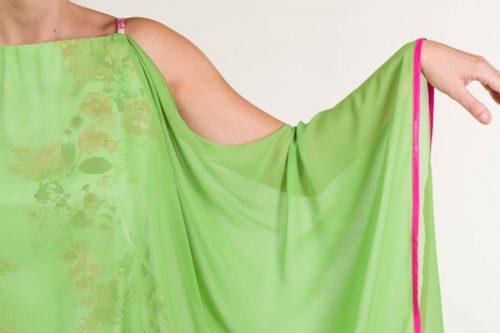 c 18 0345 001488 jb lb 18 2630 500x333 - Vestido corto rayon con flores rosa fucsia y verde