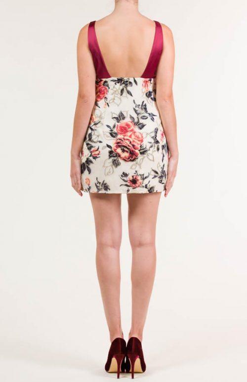 c 18 0345 001488 jb lb 18 2652 500x773 - Vestido corto estampado floral
