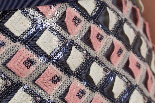 Vestido largo bordado con lentejuelas multicolor