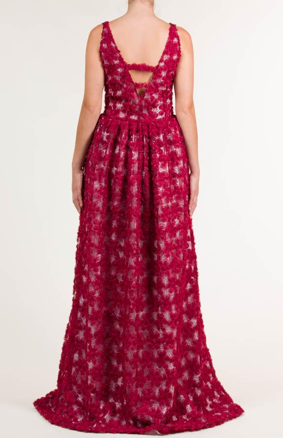 Vestido largo rojo granate con tejido bordado en lentejuelas y satén