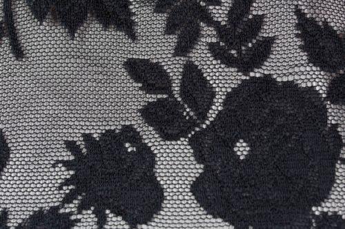 c 18 0345 001488 jb lb 18 2852 500x333 - Vestido largo con tejido de encaje de flores negro
