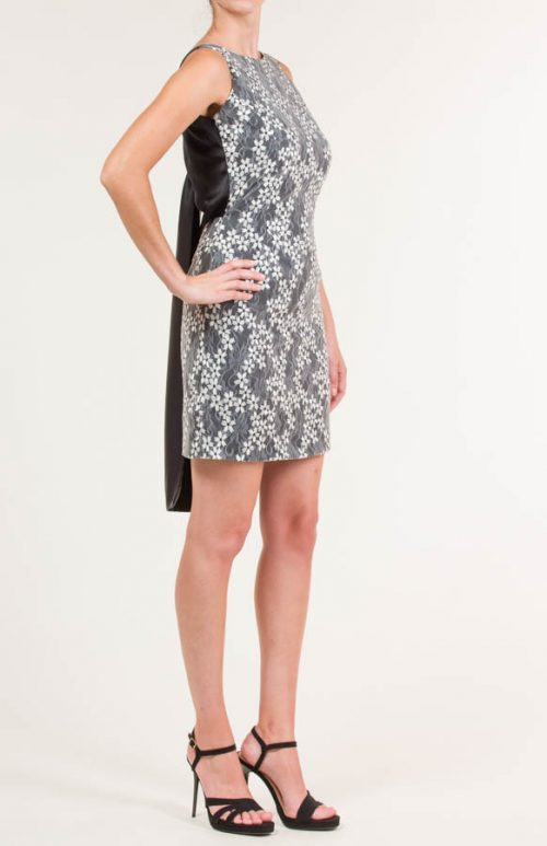 c 18 0345 001488 jb lb 18 2871 500x773 - Short dress in embroidered fabric and knot on back