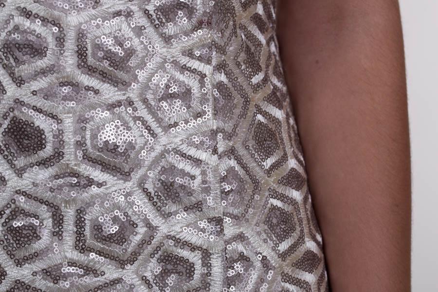 Vestido largo de lentejuelas beige