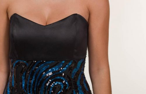 c 18 0345 001488 jb lb 18 842 500x323 - Long satin dress with blue and black sequins