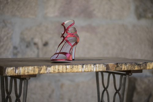 70A9647 500x333 - Cross leather sandal in red