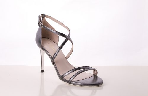70A9592 500x327 - Gray leather heel sandal with crossed heel straps