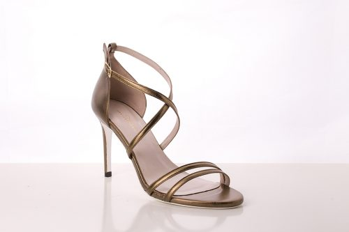 70A9595 500x333 - Copper tone leather heel sandal with crossed heel straps
