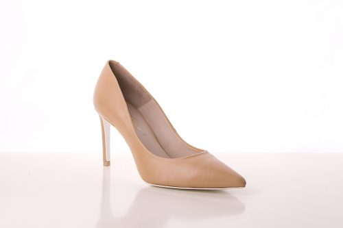 70A9604 500x333 - Court shoe heel salon in nude tone leather