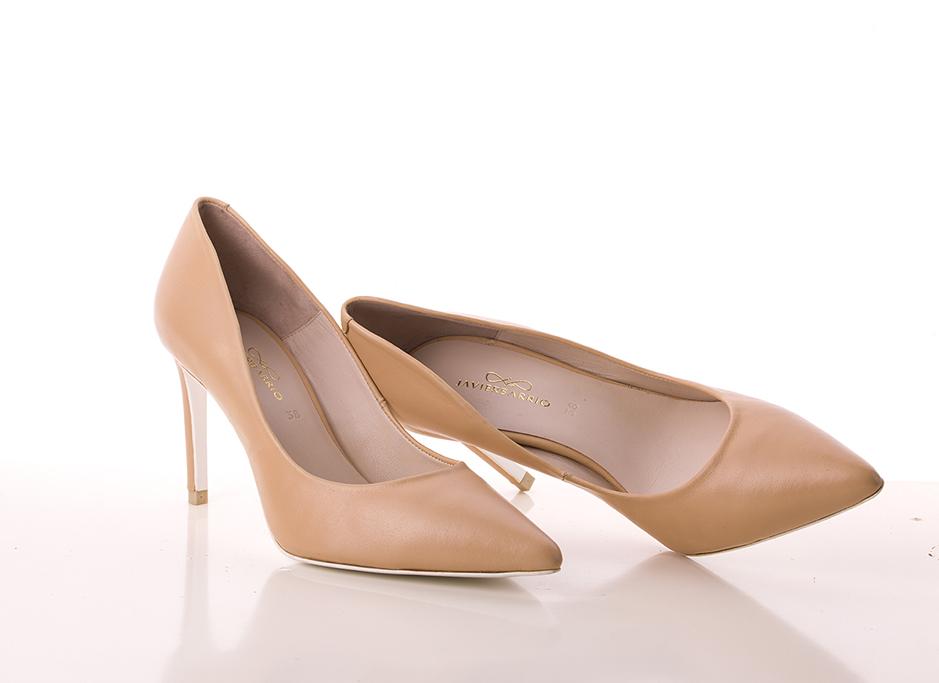 Zapato de tacón corte salón en piel tono nude
