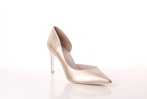 70A9610 500x337 - Zapato de tacón fino corte salón en dorado