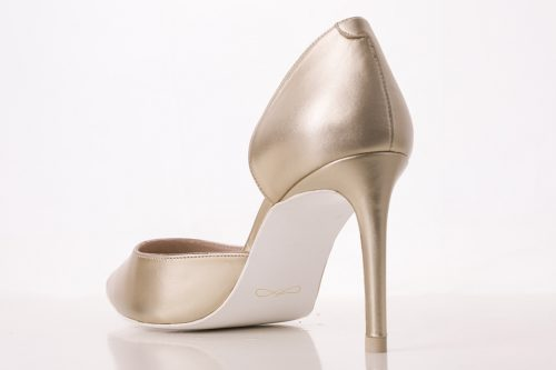 70A9621 500x333 - Fine heel shoe court salon in gold