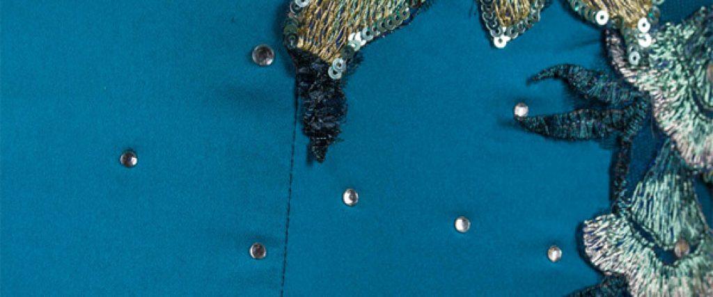 Tela Saten 1024x427 - 7 Mejores tipos de telas usados en Alta Costura